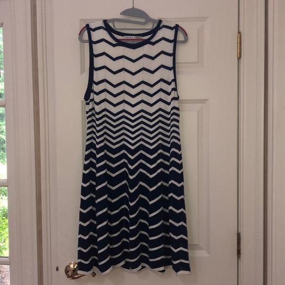 Trina Turk Dresses & Skirts - White/ navy chevron striped Trina Turk Knit Dress